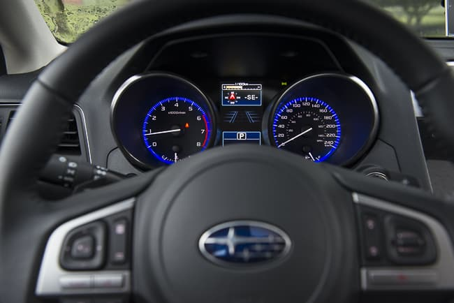 2015-subaru-legacy-review-steering-wheel