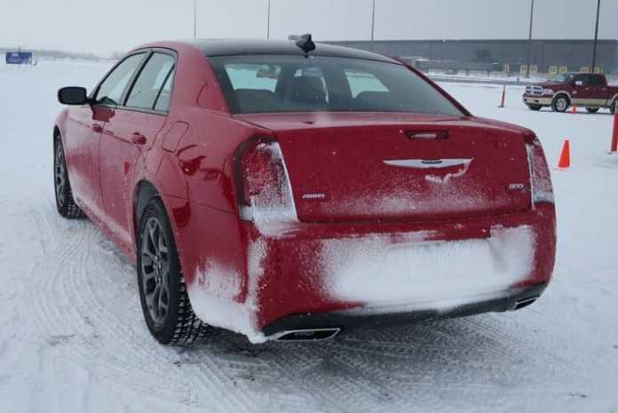 2015 fca canada winter driving_pw-007