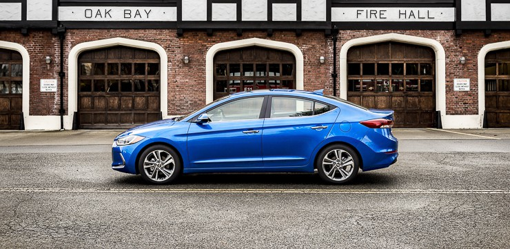 2017 hyundai elantra review (10 of 29)