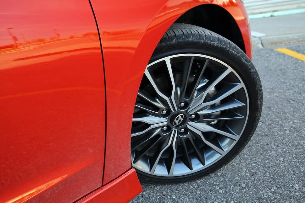 2017 Hyundai Elantra Sport Review -14
