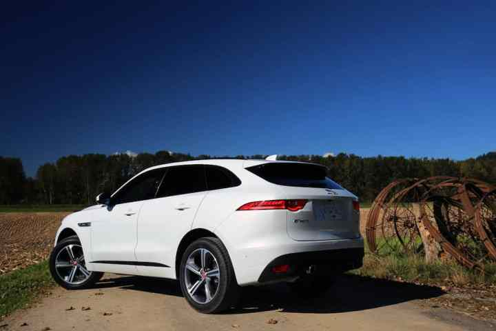 2017 Jaguar F-Pace R-Sport review -12