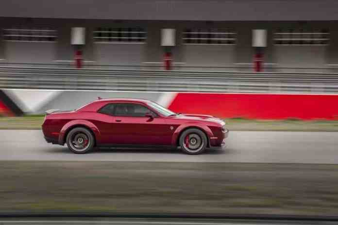 2018 Dodge Challenger SRT Hellcat Widebody sideview rolling
