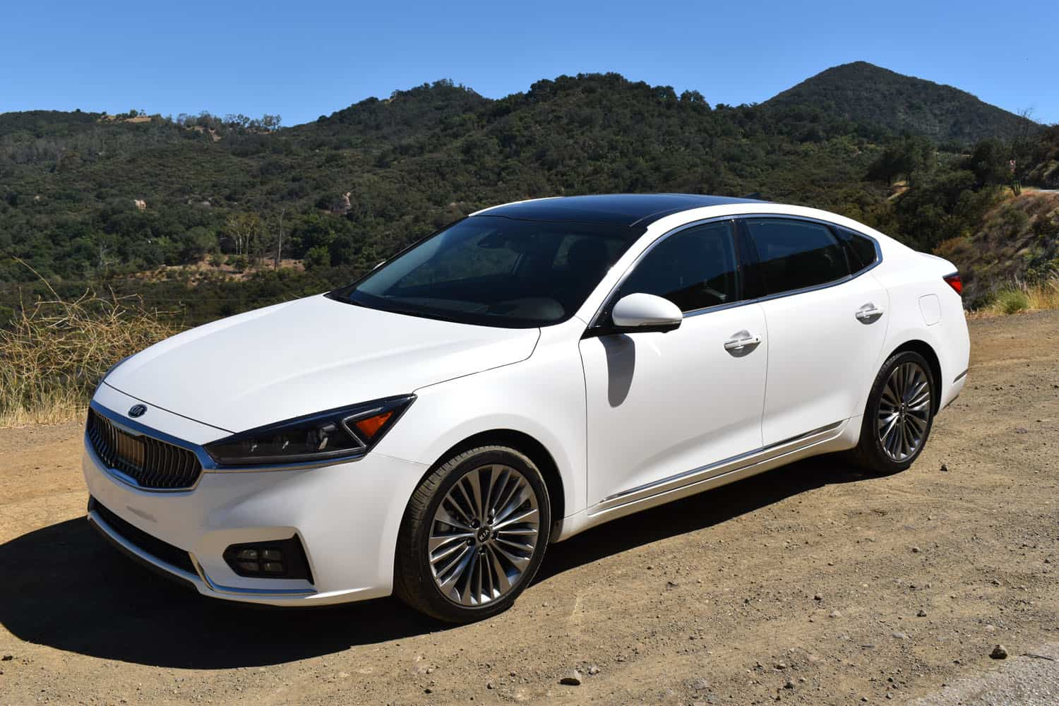 2017 kia cadenza limited review. Black Bedroom Furniture Sets. Home Design Ideas