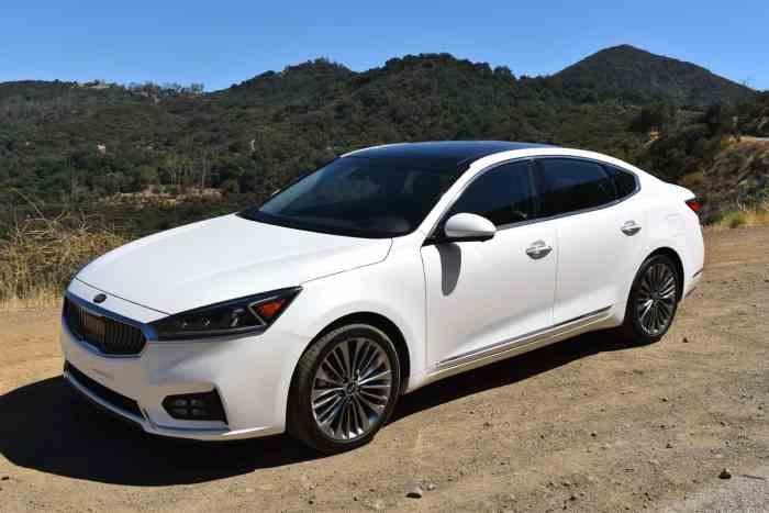 2017 Kia Cadenza Limited review
