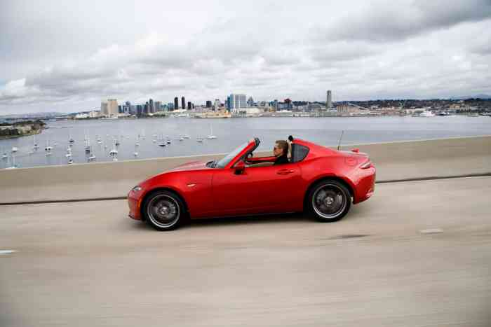 2017 Mazda MX-5 RF review rolling sideview