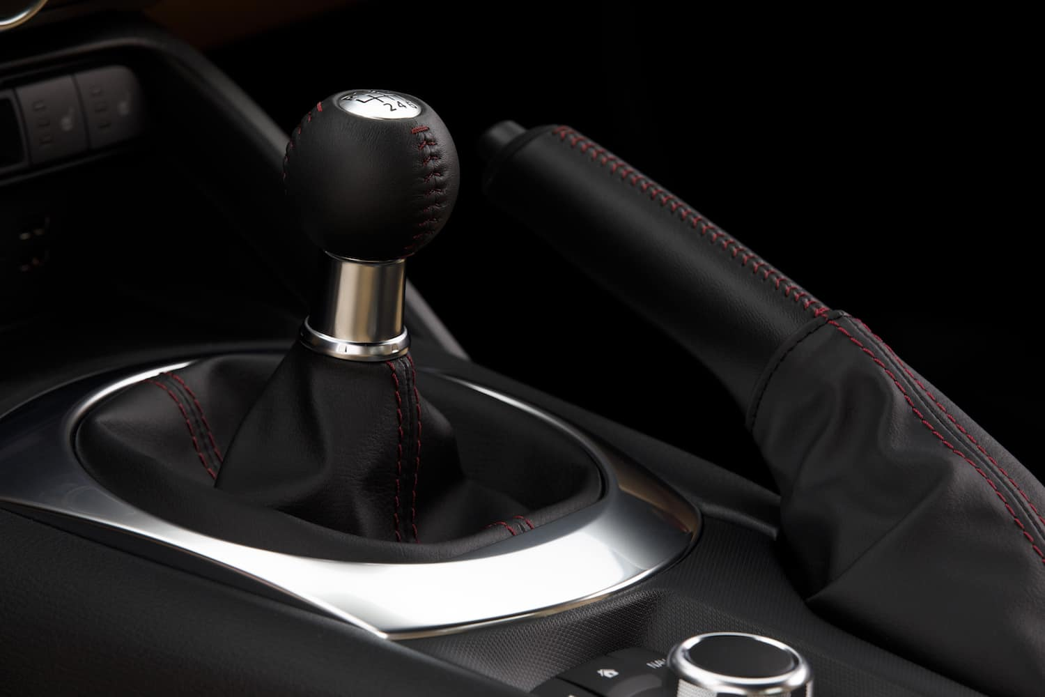 2017 Mazda MX-5 RF review shifter