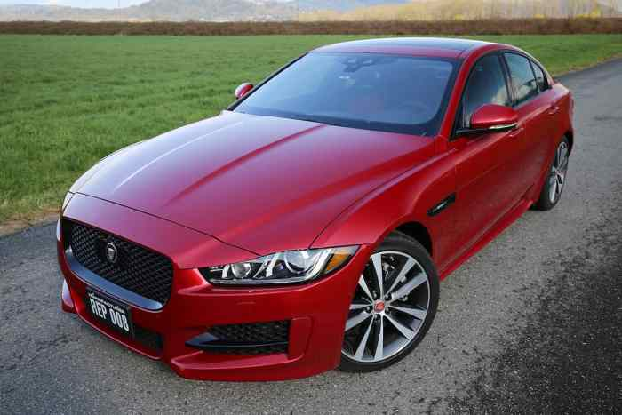 2017 jaguar 2.0d R-Sport review front