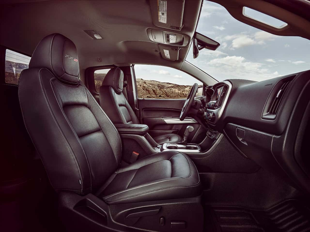 2017 chevrolet colorado zr2 interior cabin front