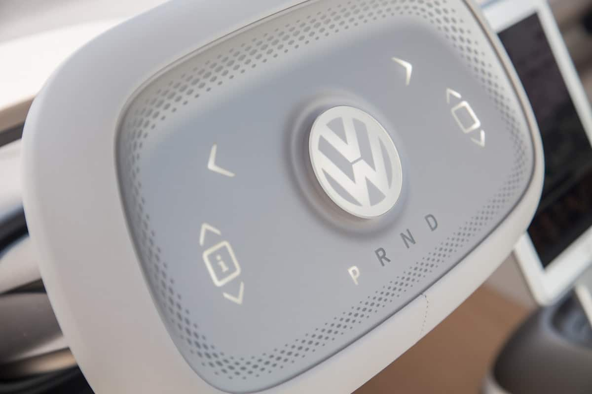 volkswagen I.D. BUZZ electric concept steering wheel