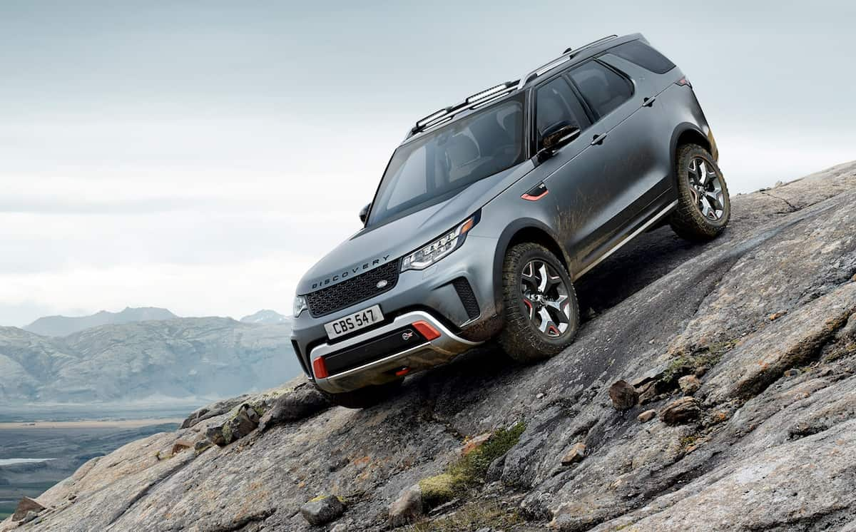Land Rover Discovery SVX front