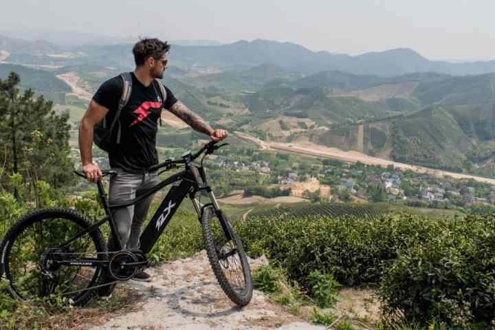 Weekend Essentials #31: 6 New Bikes That'll Set You Apart