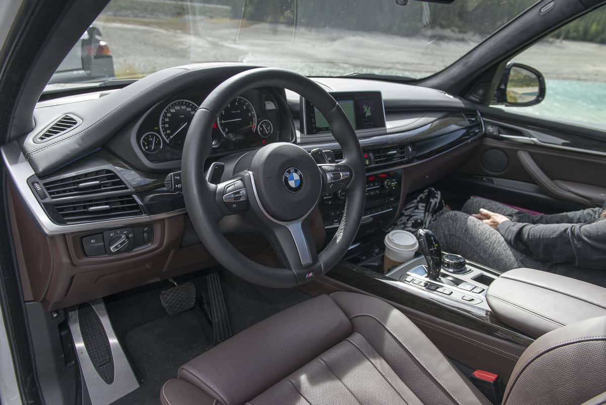 2017 BMW X5 xDrive40e iPerformance review front cabin