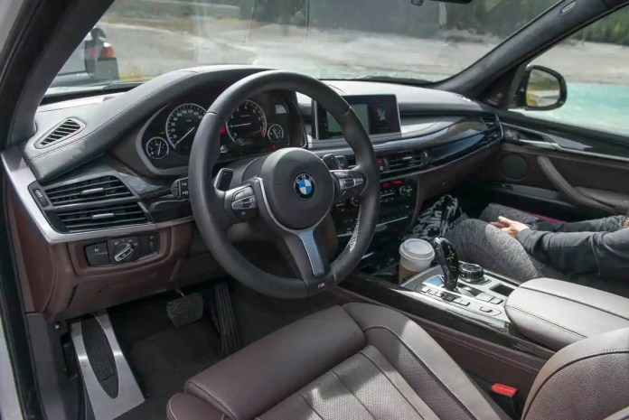 2017 bmw x5 xDrive40e plugin hybrid review cabin