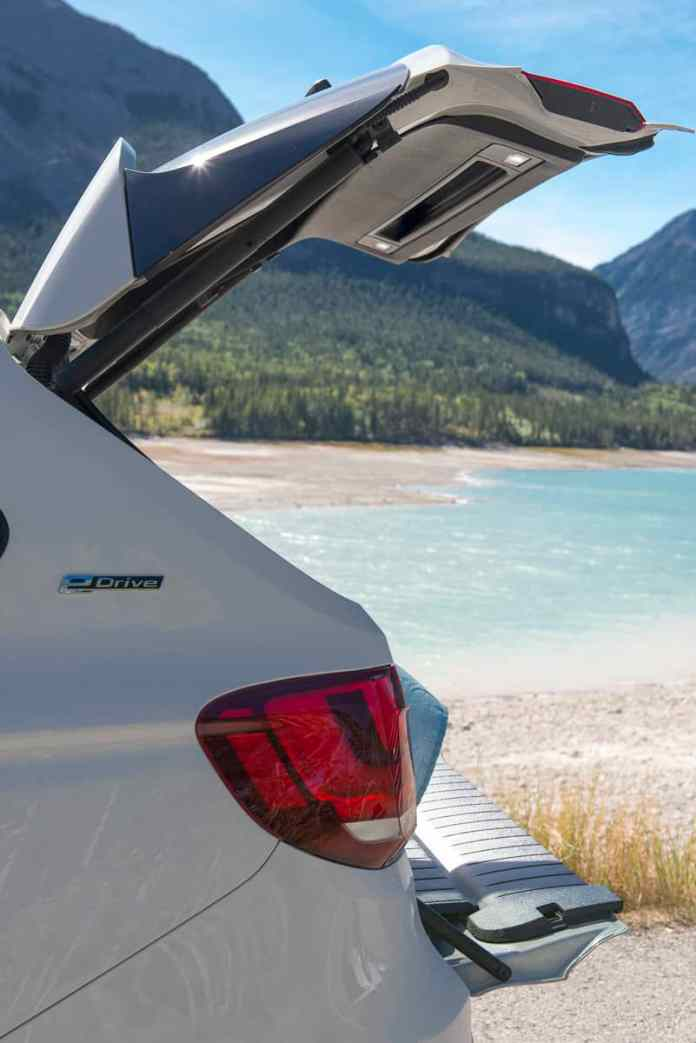 2017 bmw x5 xDrive40e plugin hybrid review rear door