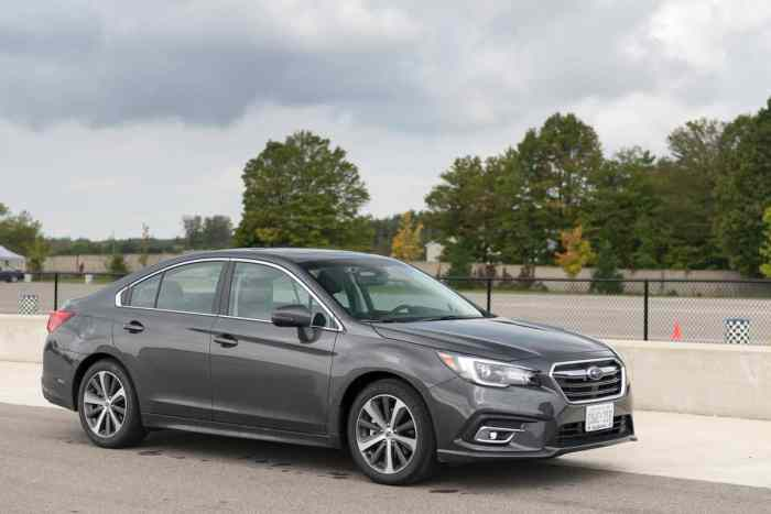 2018 Subaru Legacy Review front 2