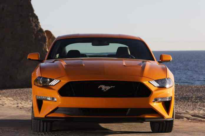 2018 ford mustang gt review front view