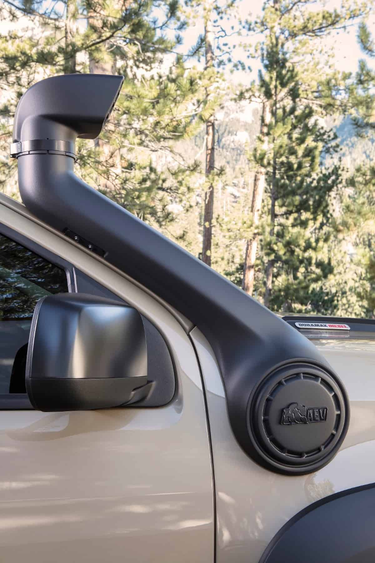Colorado ZR2 AEV Concept sema 2017 snorket