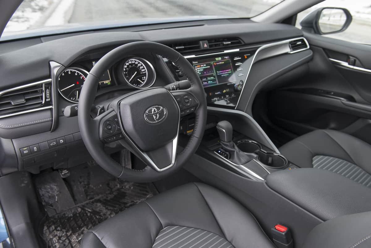 2018 Toyota Camry SE Review interior