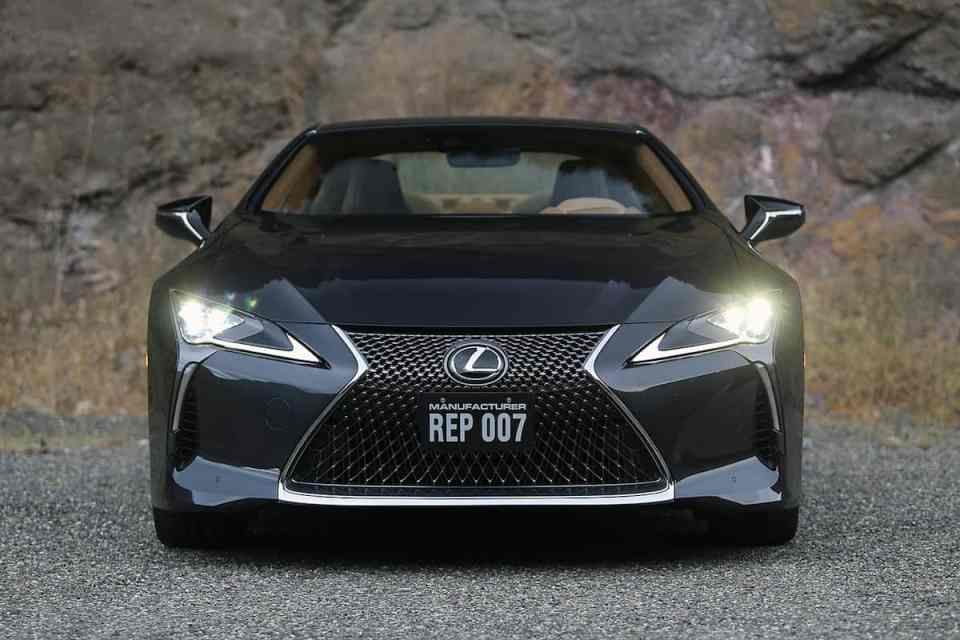 2018 Lexus LC 500 coupe front grill
