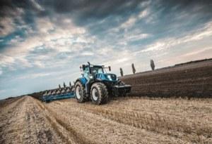 Tipos de arados para labrar el suelo: laboreo profundo o primario