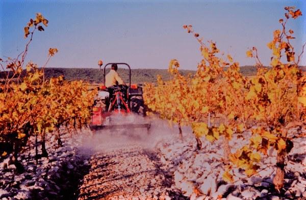 Las trituradoras de piedras también se pueden acoplar a tractores de baja potencia