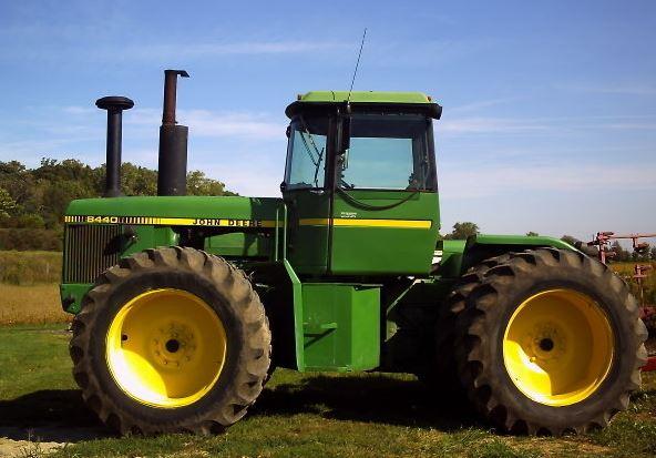 Tractor articulado John Deere 8440