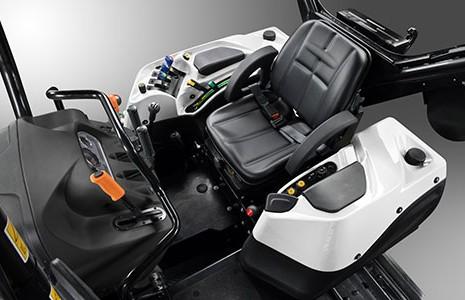 Cabina de Lamborghini Strike, tractor de cadenas