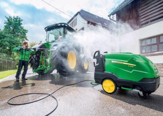 Limpieza de la maquinaria agrícola.