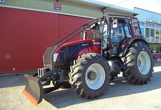 Equipo forestal de desbroce con Tractor Valtra