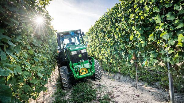 Tractor  John Deere 5090G 4WD