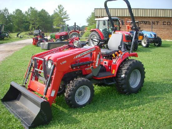 Tractor compacto Massey Ferguson 1526