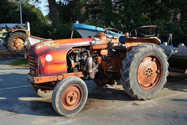 Tractor Renault D 30
