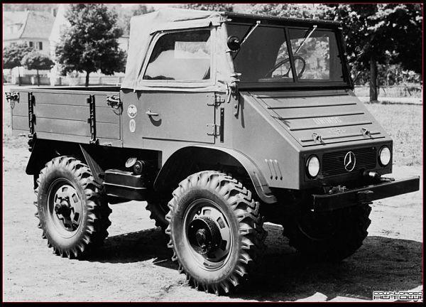 Primer Mercedes Unimog