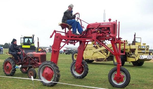 Tractor Farmall modelo M de 1953