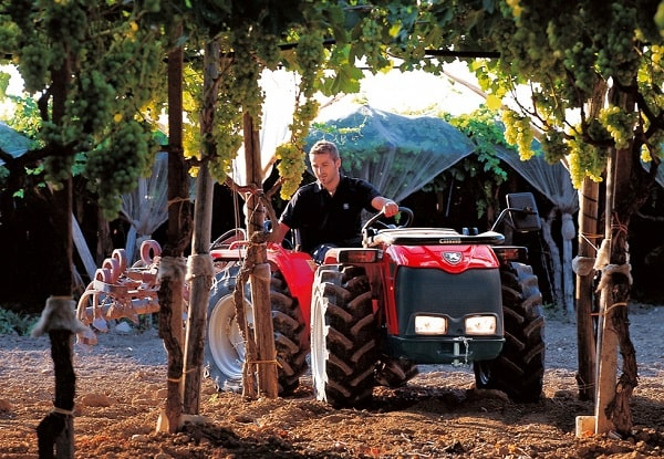 Tractor Antonio Carraro de la Serie T Major