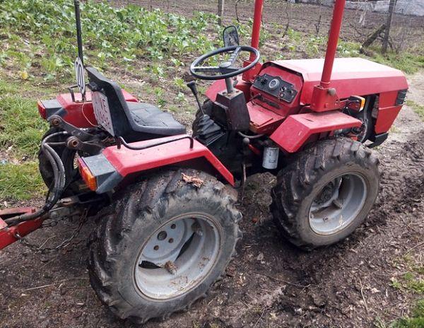 Tractor Valpadana en venta en el mercado de segunda mano
