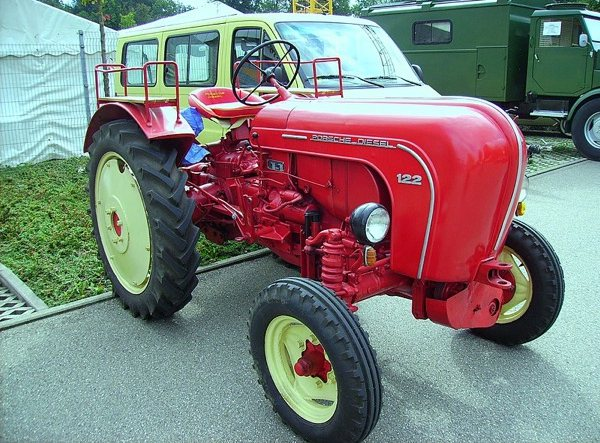 Tractor Porsche 122