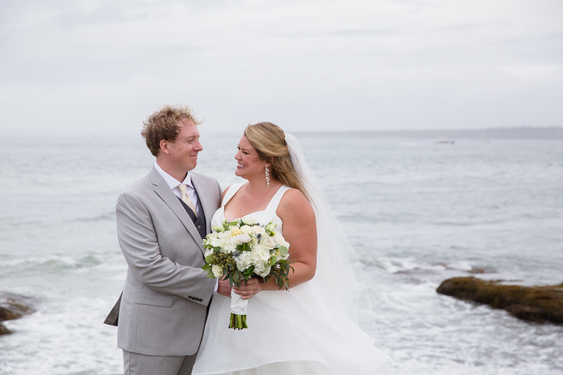 brenton point, couple photos, ocean cliff wedding, wedding, tracy jenkins photography, wedding photography, beach wedding, newport wedding, ocean cliff, rhode island
