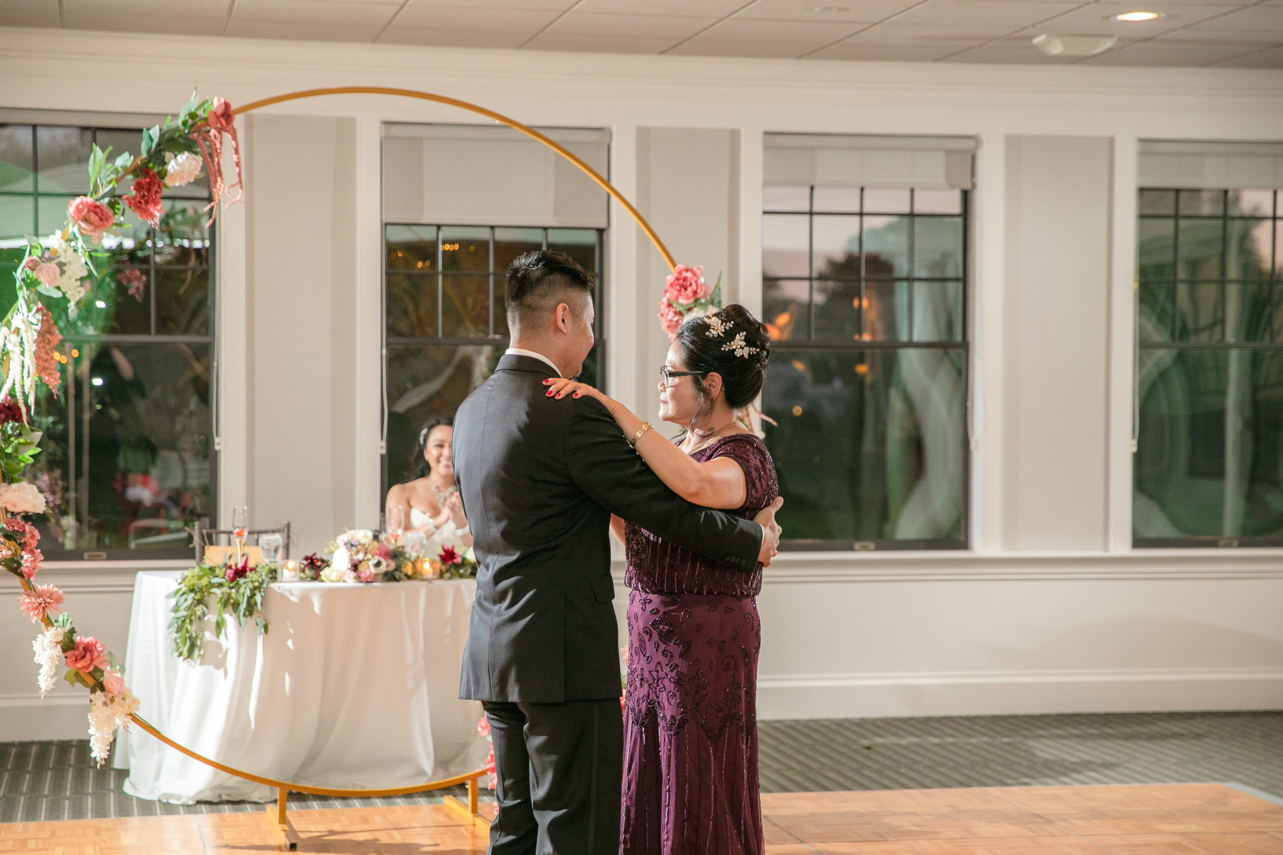 Harbor lights, warwick, rhode island, RI, Tracy Jenkins Photography, RI wedding photographer, Rhode Island wedding photographer, micro-wedding, mother son dance, reception
