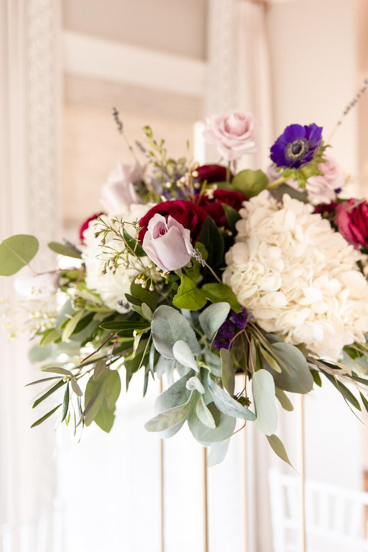 Eisenhower House, Newport, Rhode Island, Tracy Jenkins Photography, wedding, LGBTQ+, LGBT, Gay, Inclusive, Photography, Wedding photography, flowers, centerpiece