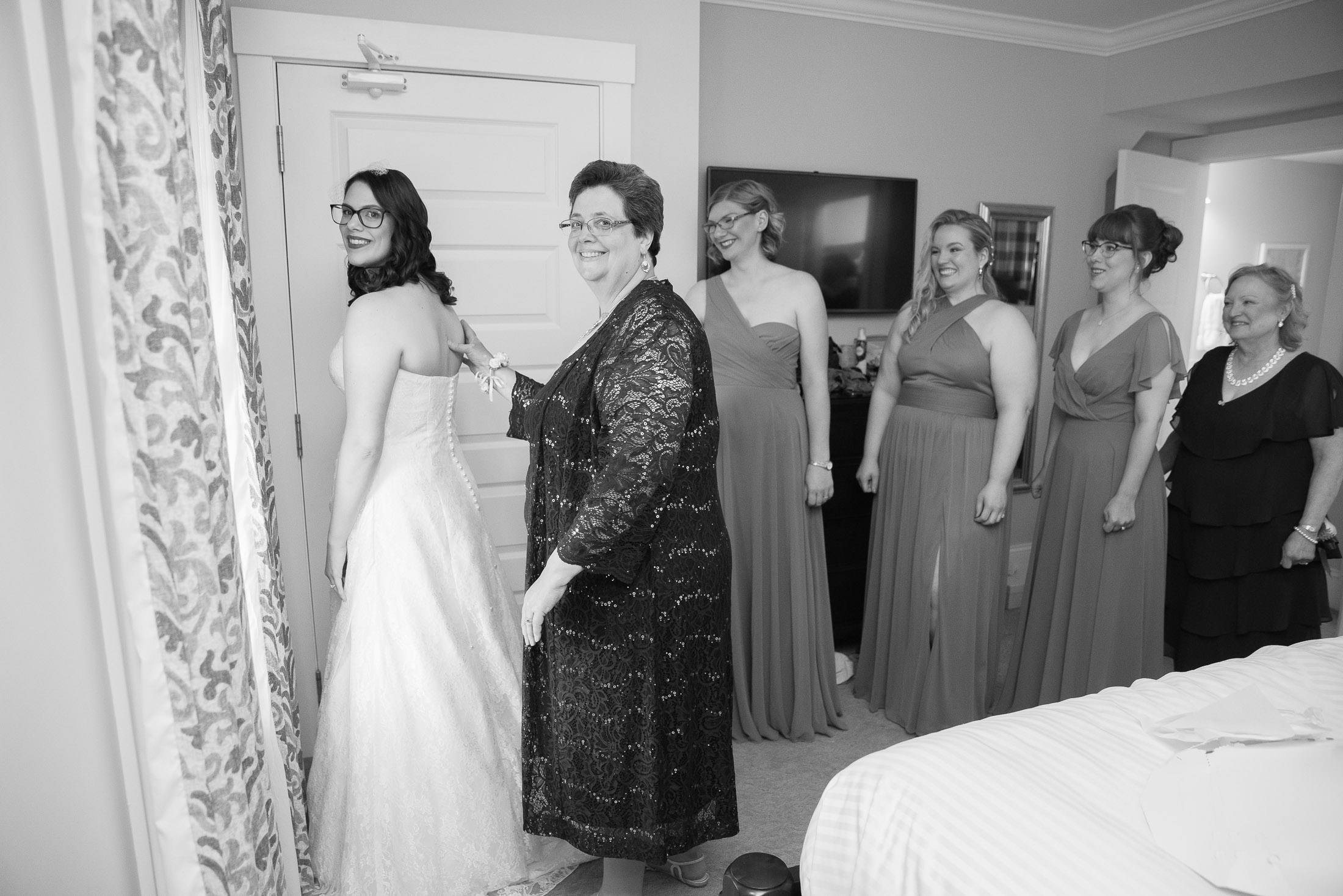 bridal party, getting ready, wedding, bride, tracy jenkins photography, publick house, Massachusetts, new england,  photography