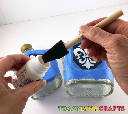 Use a cheap foam brush for applying the etching compound