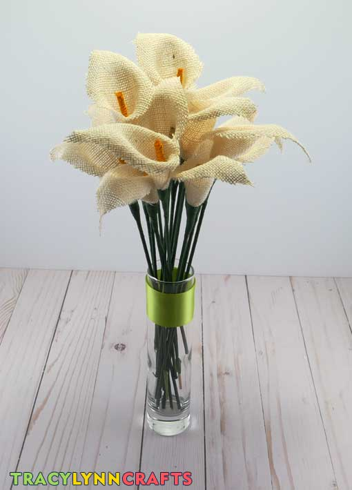 Enjoy your burlap calla lilies bouquet