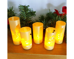 You can make these mini luminaries to light up your holiday!