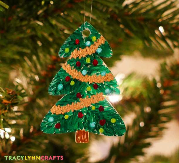 Decorate your tree with decorated trees made of shrink plastic