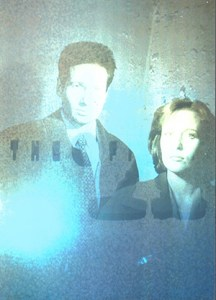 1996 Topps X-Files Season 2 Hologram