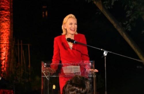 F3c Cate Blanchett al microfono