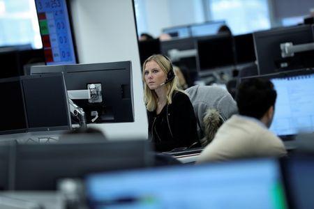 Marché : L'Europe termine en hausse après la BCE, l'euro baisse