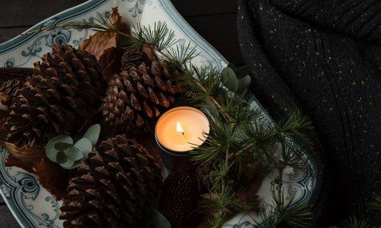 Moșii de iarnă este o sărbătoare dedicată celor trecuți în neființă, o zi în care în toate bisericile din România se oficiază slujbe și se împart bucate pentru sufletul morților.