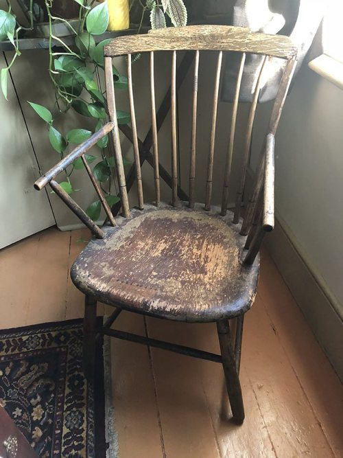 transitional windsor step down arm chair
